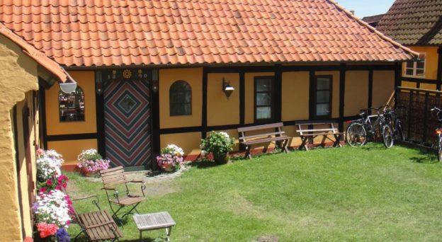 Hotel Pension Klostergården Østergade 7 3770 Allinge Danmark Bornholm