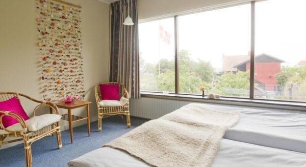 Hotel Tines Gjestehûz Strandvejen 49 3770 Allinge Danmark Bornholm