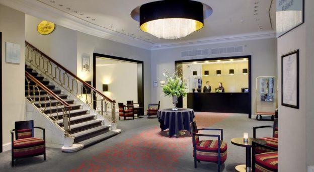 Hotel Scandic Palace Hotel Rådhuspladsen 57 1550 København V. Danmark København